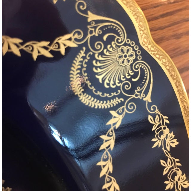 20th Century Edwardian Sumptuous Cobalt and Gold Service Dinner Plates - Set of 10 For Sale In Philadelphia - Image 6 of 10