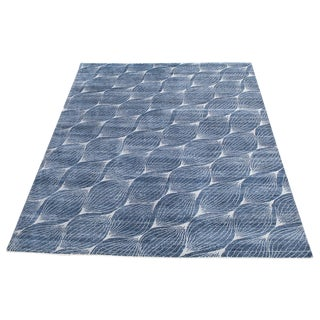 "Contemorary Blue and White Bamboo Silk Handmade Rug - 9'3""x12'"