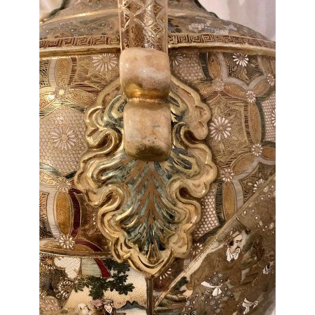 Satsuma Thousand Face Vase or Urn Palace Sized Twin Handled For Sale - Image 10 of 13