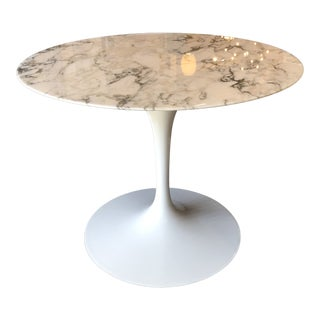 Marble Saarinen Tulip Pedestal Table, by Knoll For Sale
