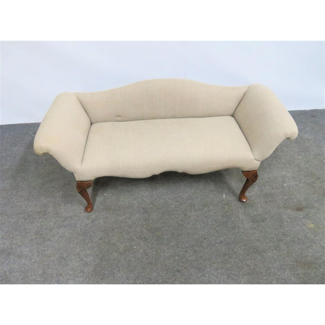 Queen Anne Linen Upholstered Bench For Sale In Philadelphia - Image 6 of 7