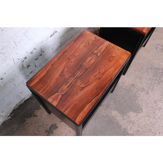 Rosewood John Stuart for Mount Airy Mid-Century Modern Rosewood and Ebonized Wood Nightstands, Pair For Sale - Image 7 of 13