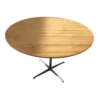 Arne Jacobsen Fritz Hansen Maple 44' Dining Table