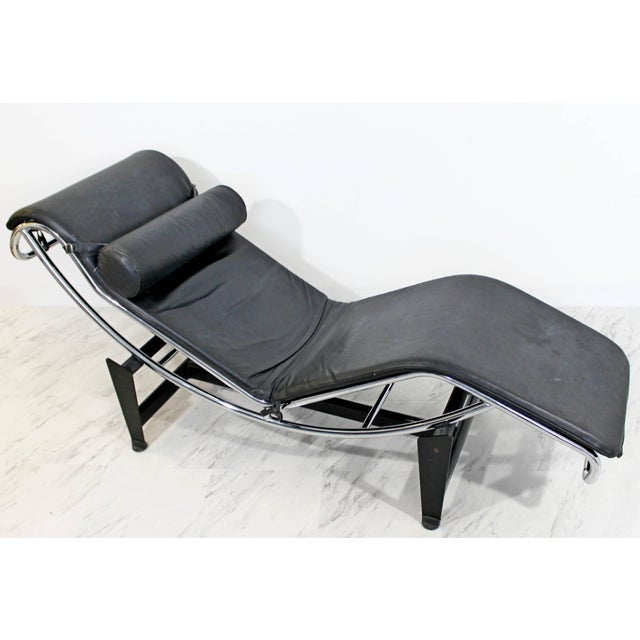 1960s Mid-Century Modern Le Corbusier Cassina Black Leather Chrome Chaise For Sale In Detroit - Image 6 of 8