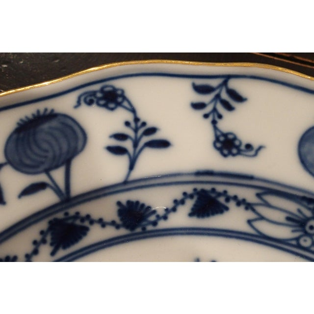 Meissen Onion Border Plate With Gold Trim, Germany For Sale - Image 4 of 5