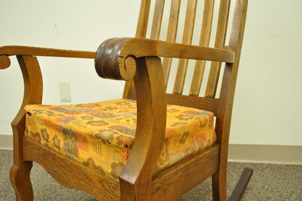 Beautiful Antique Mission Arts U0026 Crafts Carved Solid Oak Rocking Lounge Chair Rocker  Vintage   Image 4