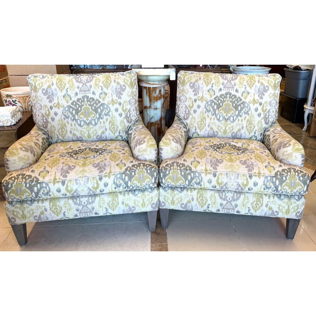 Brilliant pair of living room lounge chairs from Lee Industries. The big, comfortable chairs contrast traditional wrapped,...