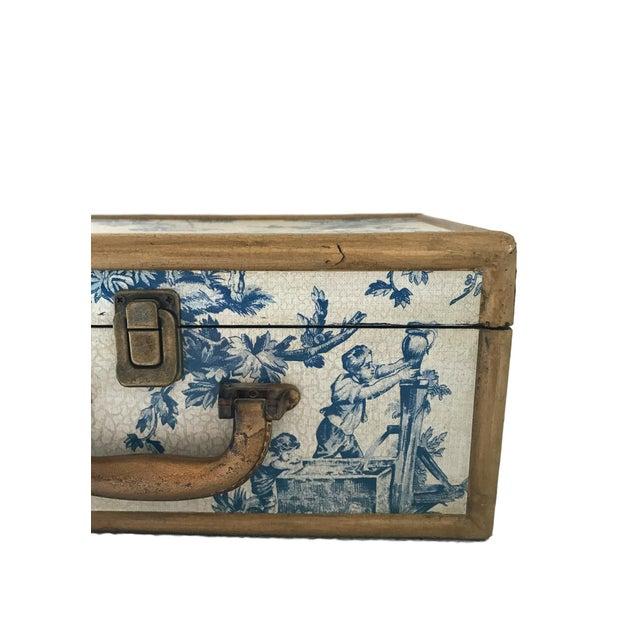 Antique Blue & White Toile Box - Image 8 of 9