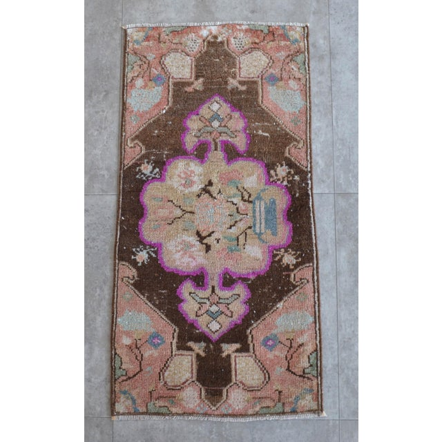 Low Pile Turkish Rug Hand Knotted Faded Mat Small Area Rug - 1′6″ × 2′11″ For Sale In Raleigh - Image 6 of 6