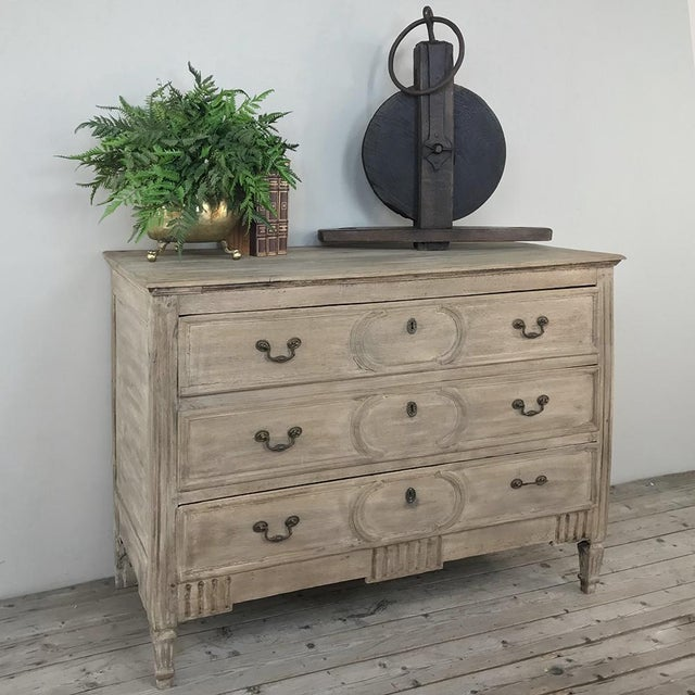 Metal 18th Century Country French Stripped Oak Commode For Sale - Image 7 of 13
