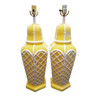 A Pair Palm Beach Regency Lattice Yellow White Ceramic Table Lamps For Sale