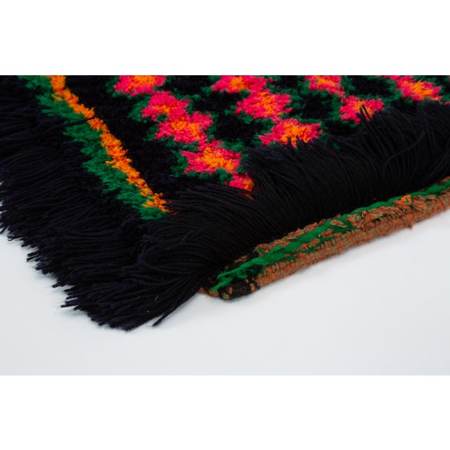 Hand-Tufted Peruvian Shag Rug For Sale In Los Angeles - Image 6 of 10