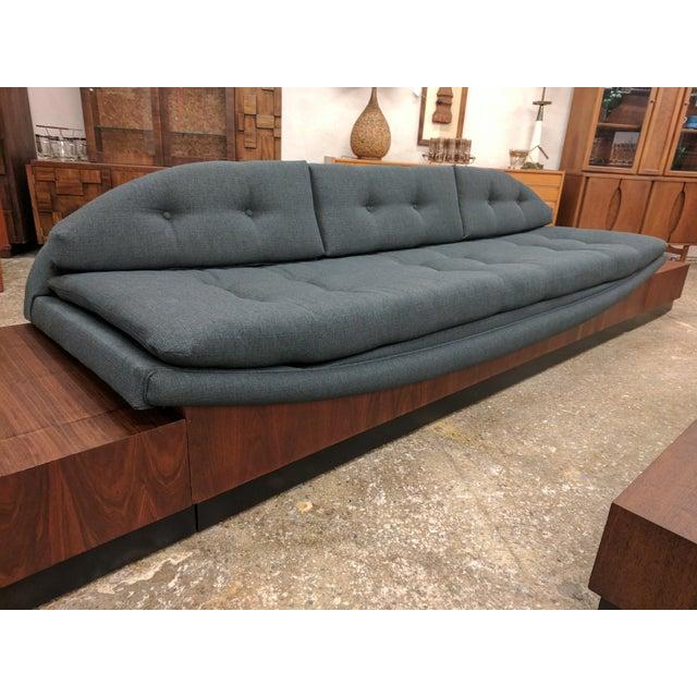 Mid Century Modern Platform Base Gondola Sofa - Image 5 of 7