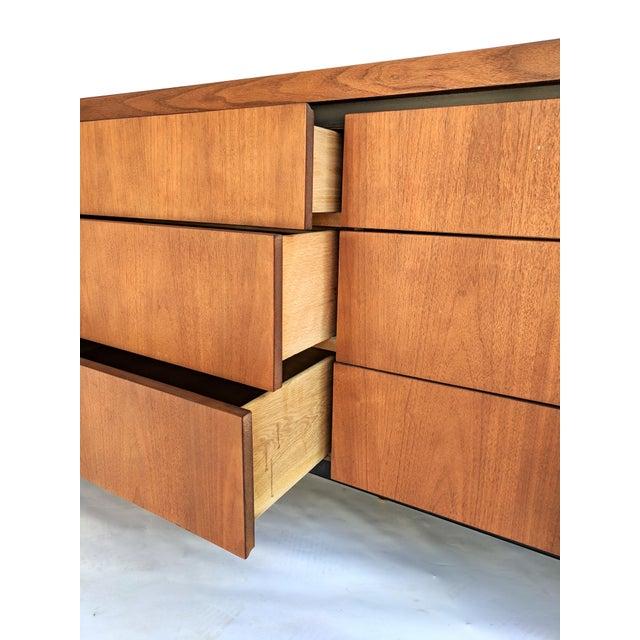 Mid-Century Modern Dillingham for Merton Gershun Walnut Dresser For Sale - Image 9 of 11