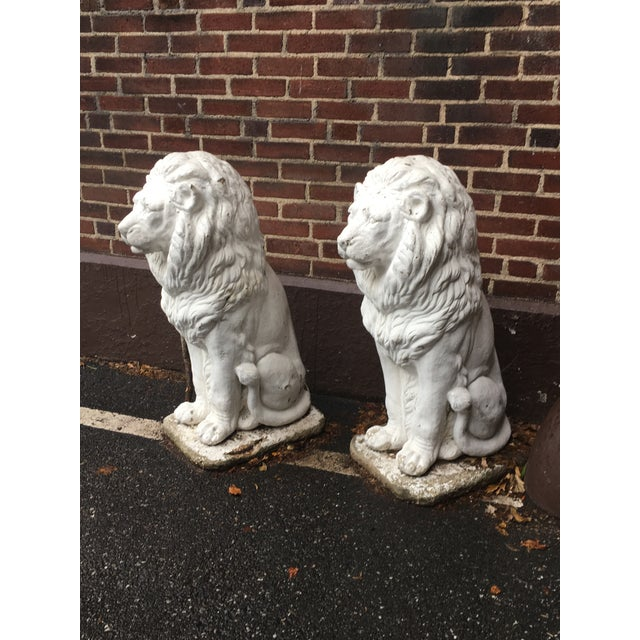 English Traditional Traditional Concrete Seated Majestic Lion Sentinels - a Pair For Sale - Image 3 of 5
