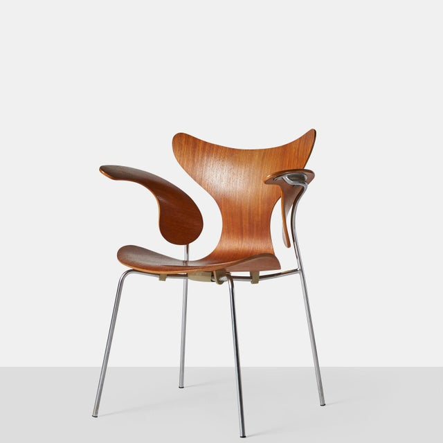 Mid-Century Modern Arne Jacobsen, Armchair, the Lily, Model 3208 For Sale - Image 3 of 9