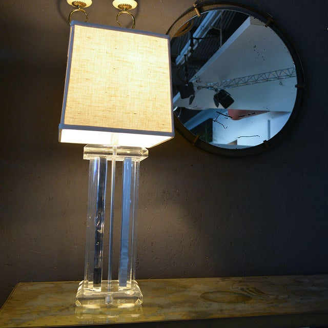 Silver Mid Century Modern Lucite Table Lamp Style of Charles Hollis Jones For Sale - Image 8 of 12