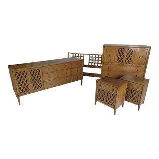 Mid-Century Modern Bedroom Set by Mount Airy For Sale