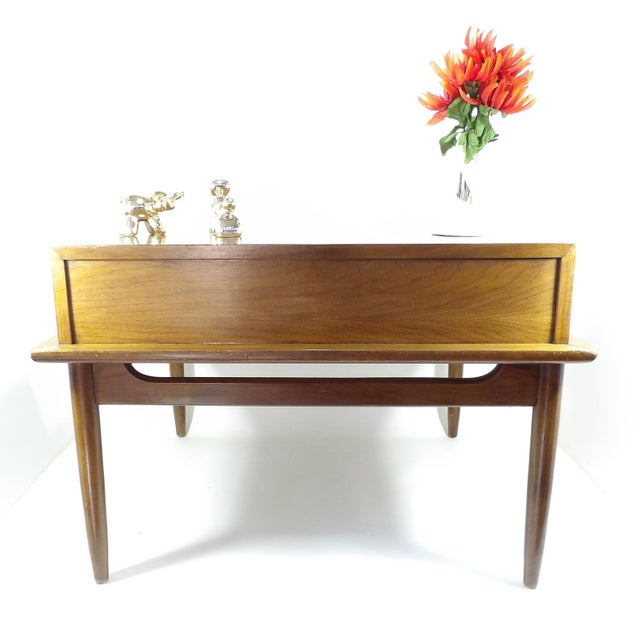 1950s 1950s Mid Century Modern American of Martinsville Sectional Sofa Divider Table For Sale - Image 5 of 12