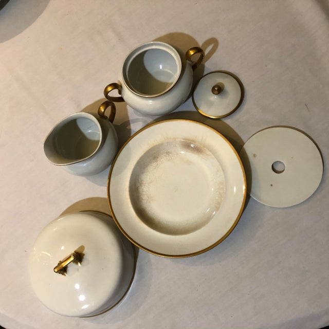 18th Century W. H. Grindley & Co Chine Marengo Pattern White Gold Trim Dinnerware - 83 Pieces For Sale In Houston - Image 6 of 13