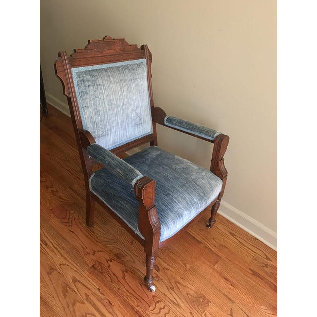 English Traditional Blue Velvet Eastlake Chair For Sale - Image 3 of 9