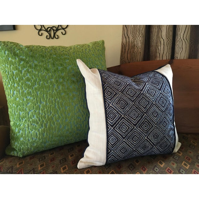 Blue Robert Allen Blue & White Geometric Fabric Accent Pillow Covers - A Pair For Sale - Image 8 of 11