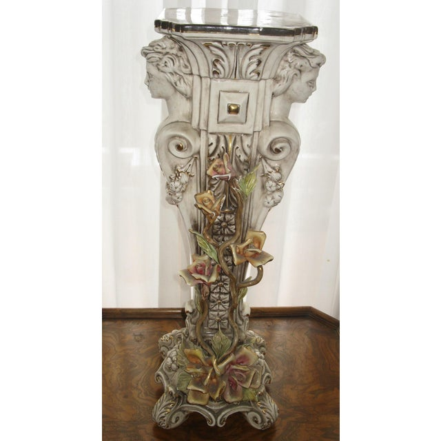 1980s Capodimonte Jardiniere and Pedestal - A Pair For Sale - Image 5 of 9