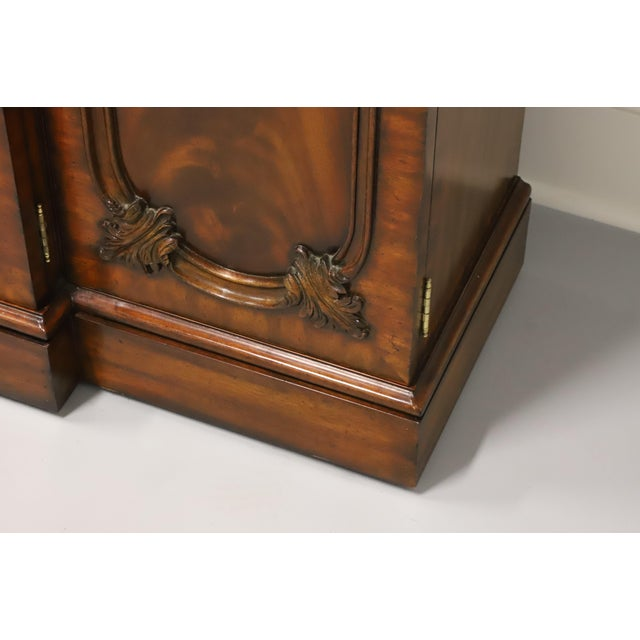 Maitland Smith Aged Mahogany Chippendale Breakfront China Cabinet For Sale - Image 10 of 13