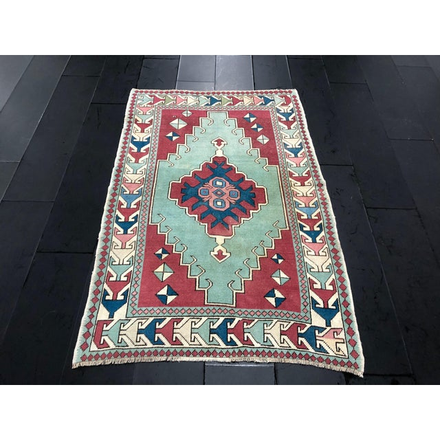 1960s Antique Turkish Anatolian Aztec Decorative Hand Rug - 4′4″ × 6′7″ For Sale - Image 5 of 11