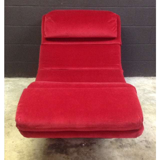 1980's Red Velvet Wave Chaise - Image 3 of 8