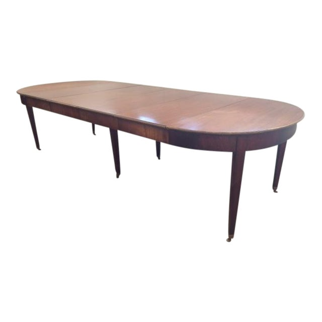 Th Century Traditional Mahogany Oval Dining Table Chairish - Traditional oval dining table