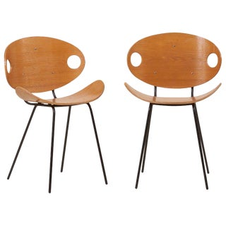 Pair of Olof Kettunen Chairs in Ash-Tree for Merivaara, Finland, 1950s For Sale