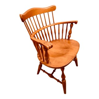Ethan Allen 20th Century Nutmeg Maple Heirloom Colonial Style Comb-Back Accent Chair For Sale