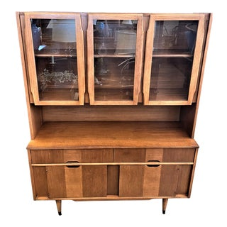Mid Century Modern Kroehler Hutch Display Cabinet with Solid Wood Walnut Finish For Sale