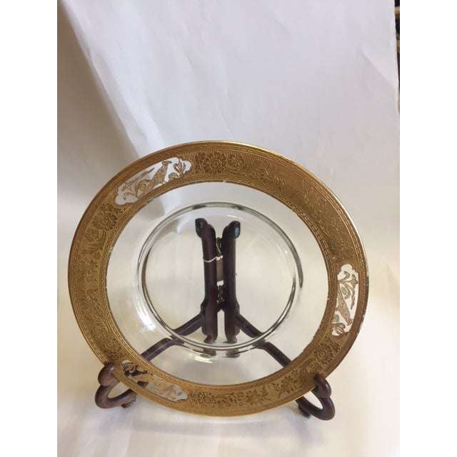 Transitional Etched Glass 24k Gold Plates With Rim - 12 Pieces For Sale - Image 3 of 11