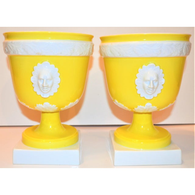 1970s Vintage Mottahedeh Lemon & White Neoclassical Pedestal Cachepots - a Pair For Sale In Houston - Image 6 of 13
