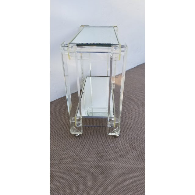 1970s Mid-Century Modern Lucite Mirrored Glass 2-Tier Bar Cart or Trolley For Sale - Image 4 of 12