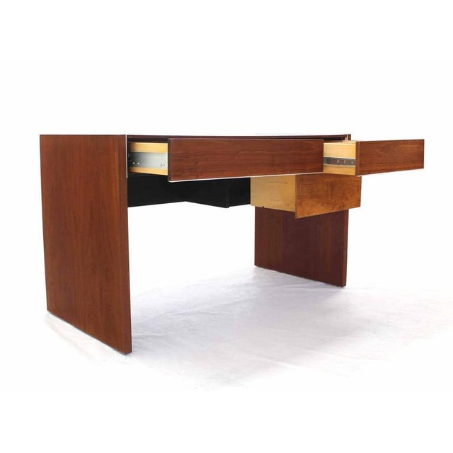 Hidden File Drawer Glenn California Mid Century Modern Walnut Writing Table Desk For Sale In New York - Image 6 of 9