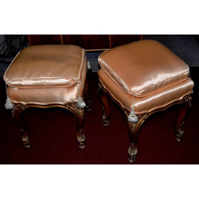 Italian Pair of Italian Hand Carved and Silk Upholstered Benches C.1950s For Sale - Image 3 of 5