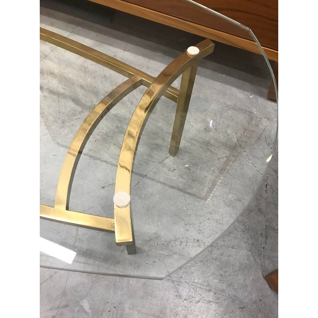 Beautiful 1970s clean looking brass Italian coffee table in really good condition with original vintage patina. The base...