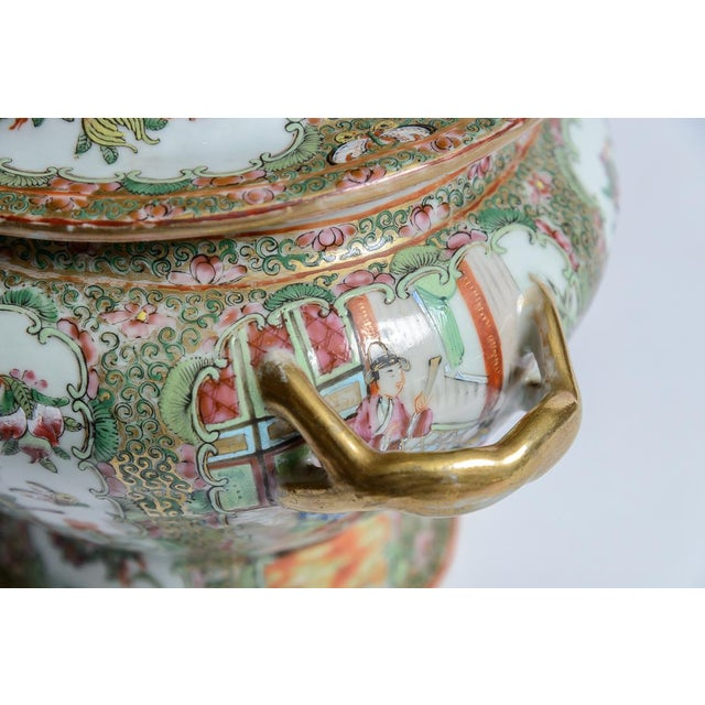 Mid 19th Century Rose Medallion Soup Tureen For Sale - Image 5 of 8