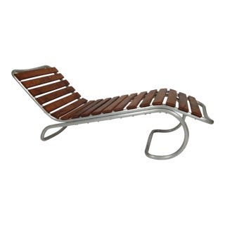 Modernist / Bauhaus Style Chaise in Aluminum and Claro Walnut For Sale