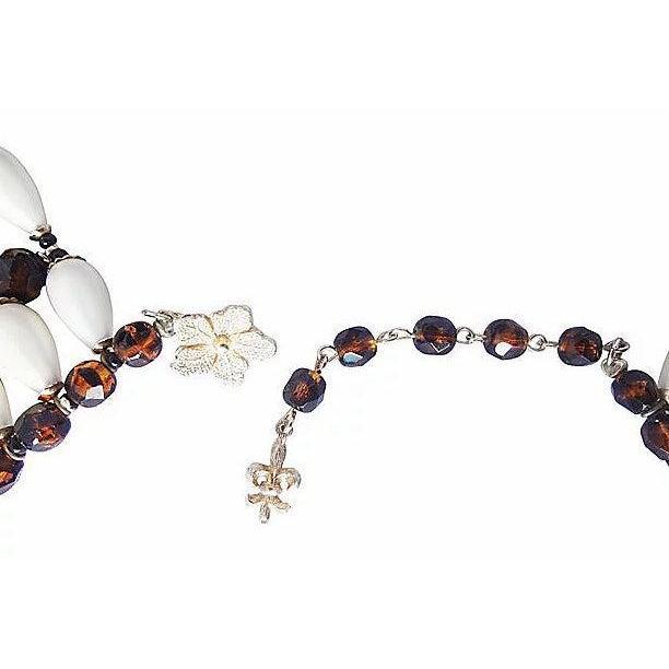 1960s 1960s Vendome Faux-Pearl Bib Necklace For Sale - Image 5 of 8