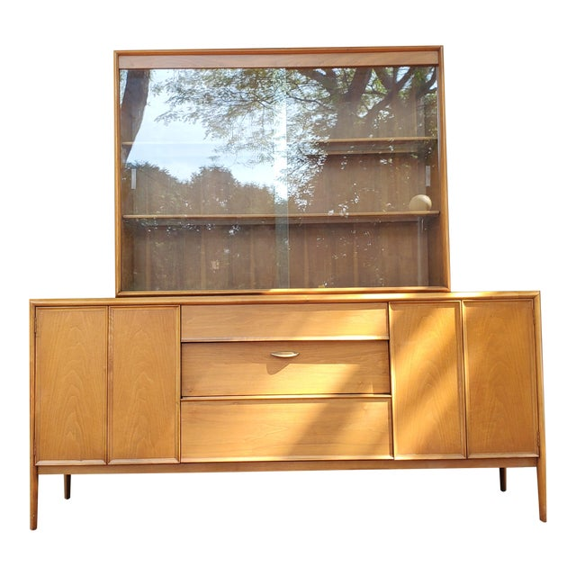 Mid-Century Modern Drexel Parallel China Cabinet For Sale