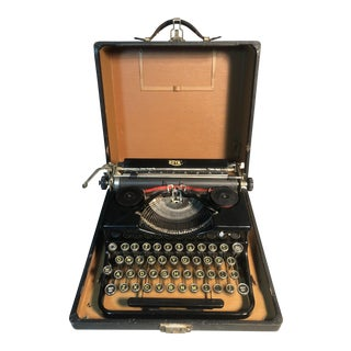 "Antique 1930s Royal Portable Typewriter in Case ""Model O"" Gloss Enamel W/Glass Keys For Sale"