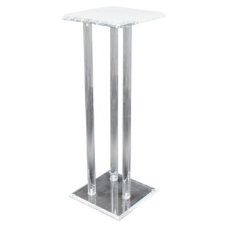 Mid-Century Modern Lucite Acrylic Pedestal Display Stand Table For Sale