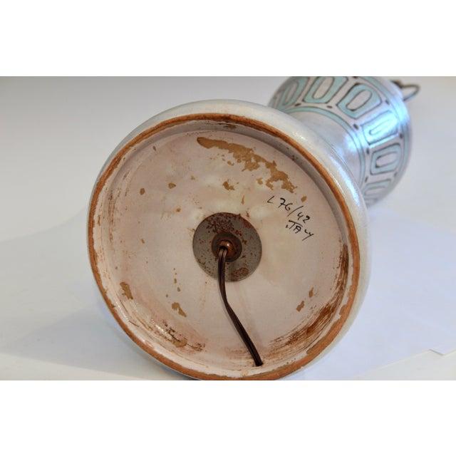 1960s 1960s Bitossi Pottery Londi Vase Italian Raymor Geometric Abstract Ceramic Lamp For Sale - Image 5 of 7