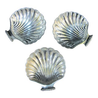 Antique 1772 George III English Sterling Silver Shell Candy Dish Set - Set of 3 For Sale