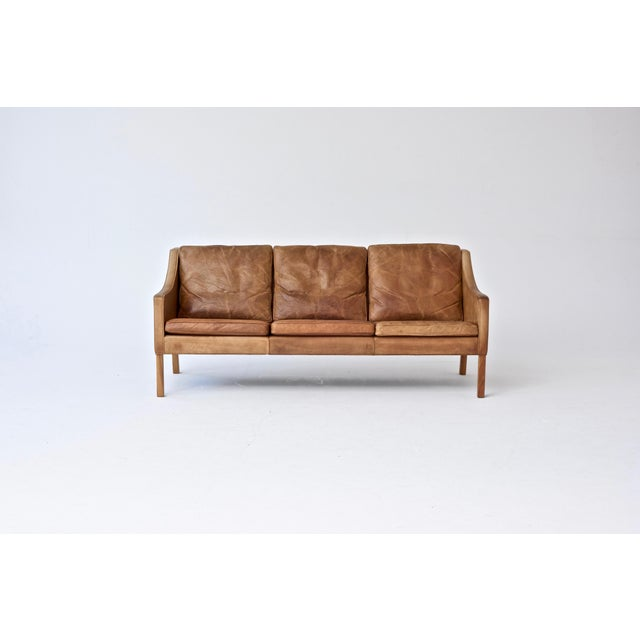 Original Borge Mogensen 2209 Sofa in Patinated Tan Leather, Denmark, 1960s-1970s For Sale - Image 6 of 6