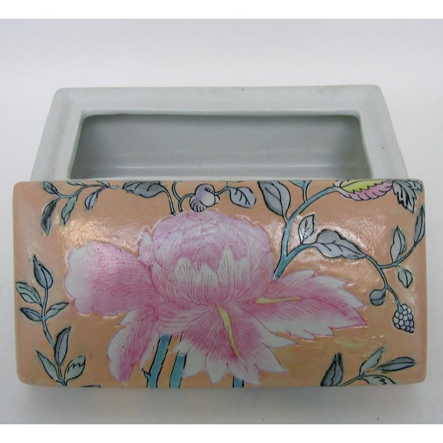 Chinese Porcelain Lotus Box For Sale In Los Angeles - Image 6 of 8
